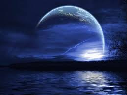 La tête dans la Lune…