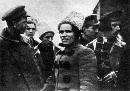 …Défendre la révolution contre toutes sortes de pouvoir d'État… prolétarien compris – Nestor Makhno (1932)