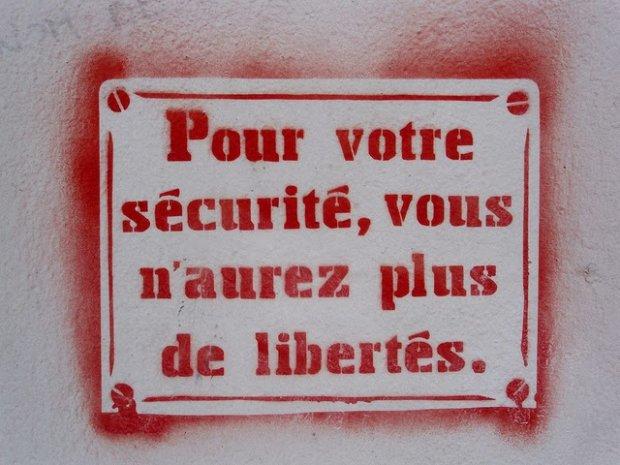 Après 3 mois de résistance et de rébellion ; Devenons S.U.P.R.A. Gilets Jaunes ! (Tracts en PDF)